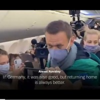Russian opposition leader Alexei Navalny detained on his return to Moscow #SootinClaimon.Com